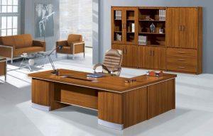 Trang trí bàn giám đốc